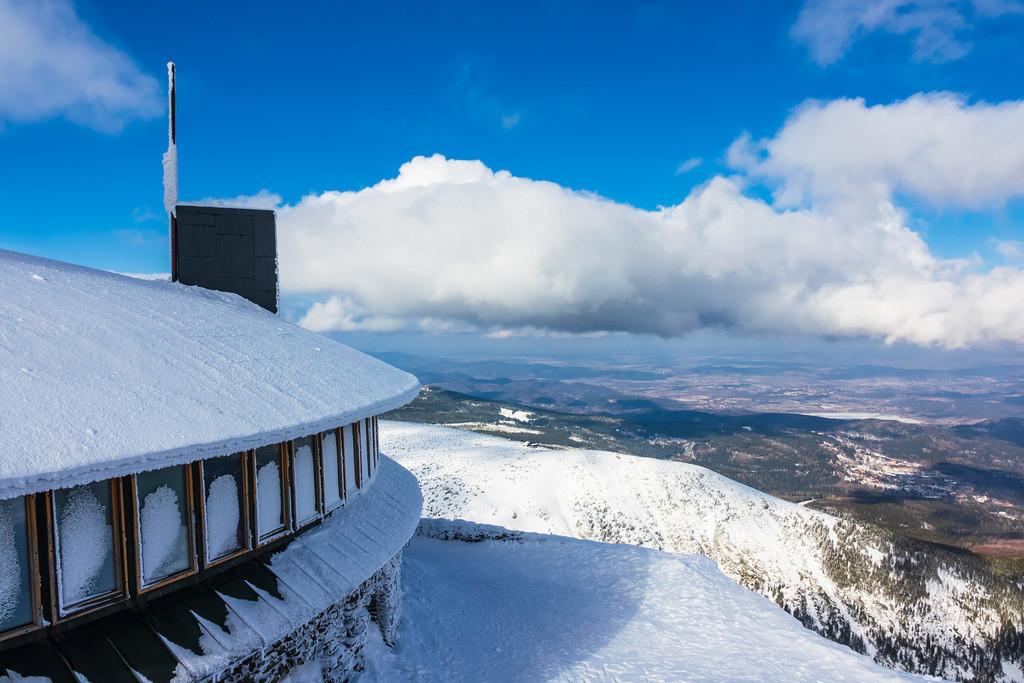Blick von der Schneekoppe im Riesengebirge in Tschechien   Blick von der Schneekoppe im Riesengebirge in Tschechien.