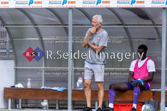 Fußball, Herren, LOTTO-Pokal Halbfinale, FC Eintracht Norderstedt - Altona 93, Edmund-Plambeck-Stadion, 16.08.2020   AndreasBergmann (AFC, Cheftrainer)