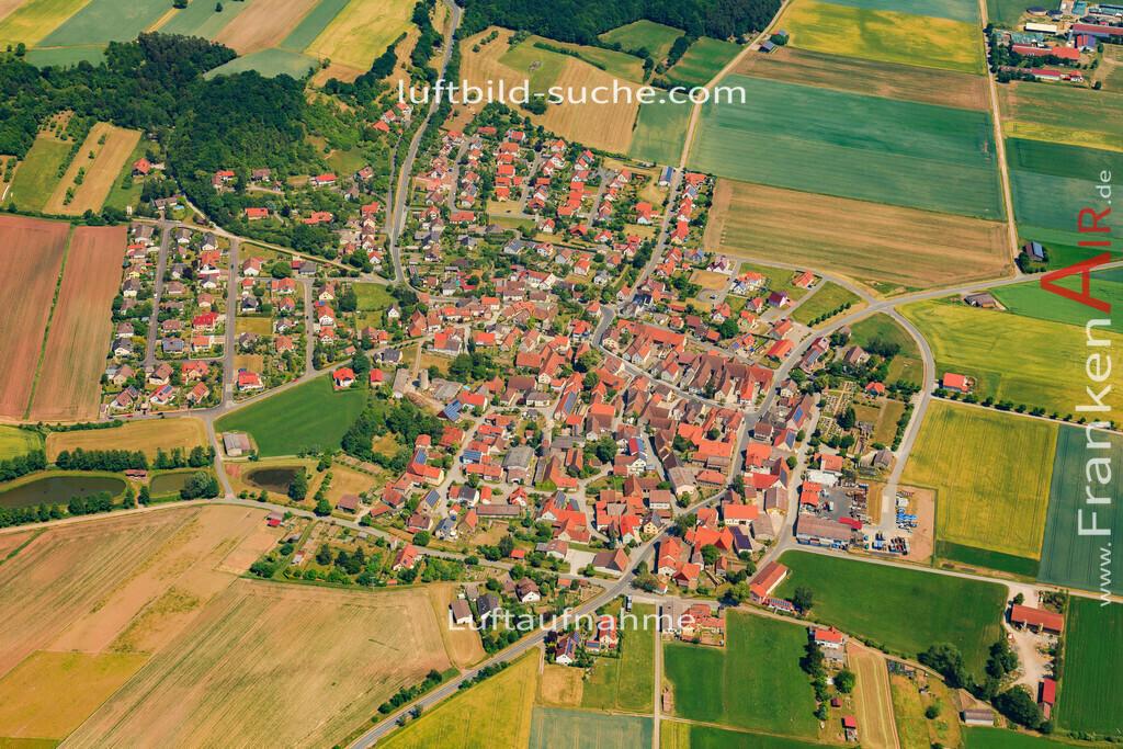 luftbild-baudenbach-2015-4711 | Luftbild von  Baudenbach - Luftaufnahme wurde 2015 von https://frankenair.de mittels Flugzeug (keine Drohne) erstellt - die Geschenkidee