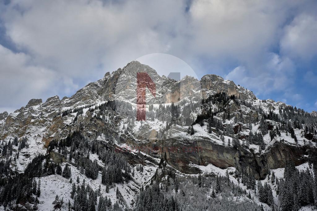Blick auf Rote Flüh im Winter, Tannheimer Tal, Tirol, Österreich