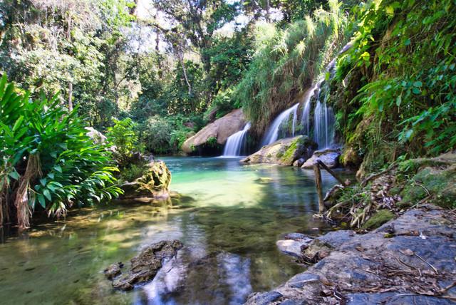 Nature Flow | Dieser mystische Wasserfall im Parque El Nicho in Kuba erzeugt Naturverbundenheit, Ruhe und Dankbarkeit