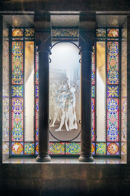 Barcelona Palau Güell Detailaufnahme Architektur bleiverglastes Fenster   ESP, Spanien, Barcelona, 18.01.2018, Barcelona Palau Güell Detailaufnahme Architektur bleiverglastes Fenster [2018 Jahr Christoph Hermann]