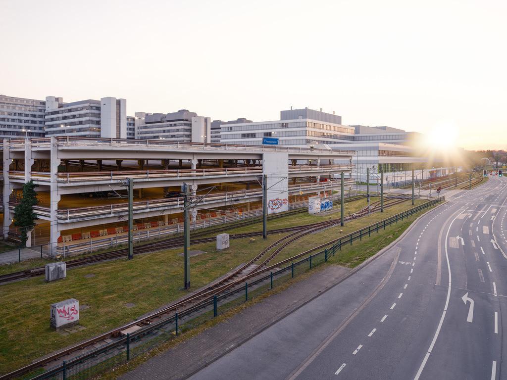 Sonnenuntergang an der Universität Bielefeld | Kurz vor dem Sonnenuntergang an der Universität Bielefeld.