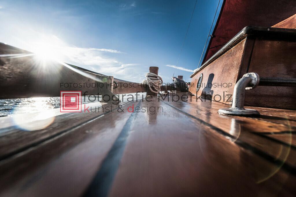 @Marko_Berkholz_mberkholz_MBE6855 | Die Bildergalerie Zeesenboot | Maritim | Segel des Warnemünder Fotografen Marko Berkholz zeigt maritime Aufnahmen historischer Segelschiffe, Details, Spiegelungen und Reflexionen.