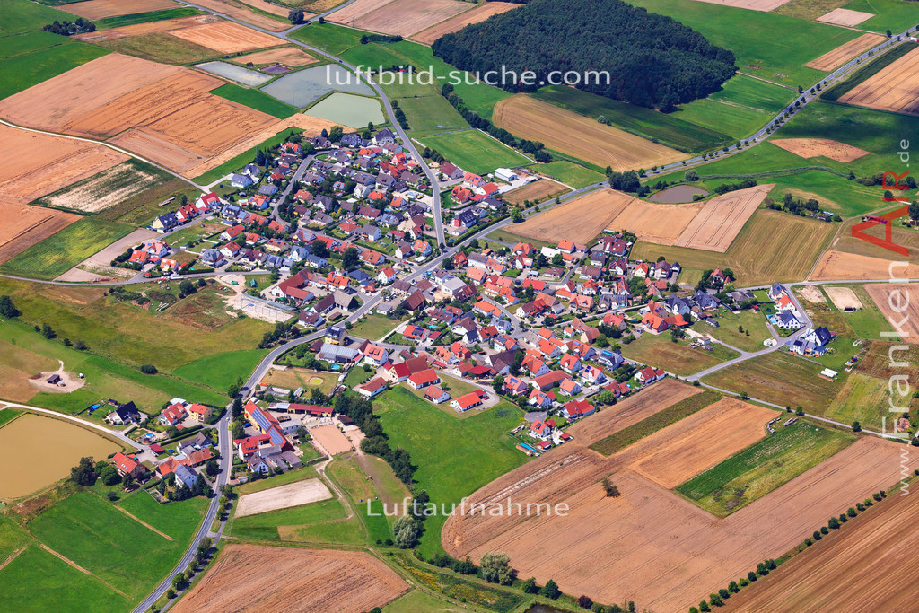 niederlindach-hessdorf-17-4872   Luftbild von Niederlindach Hessdorf - Luftaufnahme wurde 2017 von https://frankenair.de mittels Flugzeug (keine Drohne) erstellt - die Geschenkidee