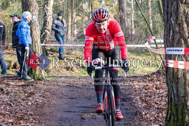 Radsport, Stevens Cyclocross Cup 2019, 10. Lauf (RSG Nordheide), Rennen 9 (Elite Herren + U23, Masters 2 / Elite Ü40 und Junioren U19), Buchholz i.d.N., 19.01.2020 | Thomas Heaney (Cyclocross Hamburg e.V., #178, Masters 2)
