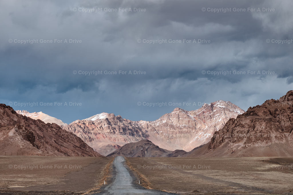 Tadschikistan | Der Pamir Highway hinter Murgab auf über 3.500 Metern Höhe