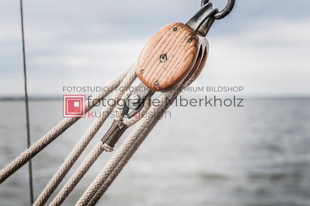 @Marko_Berkholz_mberkholz_MBE6612   Die Bildergalerie Zeesenboot   Maritim   Segel des Warnemünder Fotografen Marko Berkholz zeigt maritime Aufnahmen historischer Segelschiffe, Details, Spiegelungen und Reflexionen.