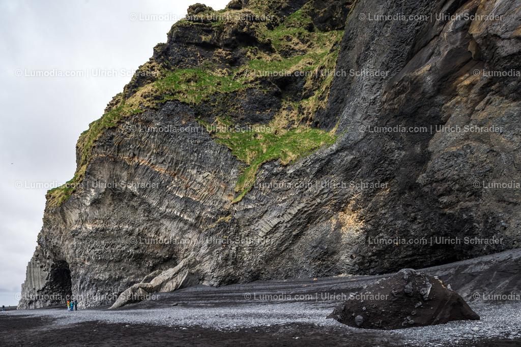 10354-10083 - An der Küste _ Island
