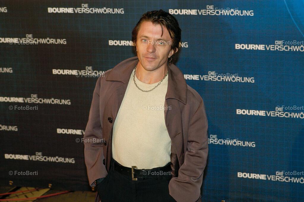 Bourne Die Verschwoerung | Premiere von Bourne Die VerschwoerungSchauspieler David Bennet (Die Blechtrommel)