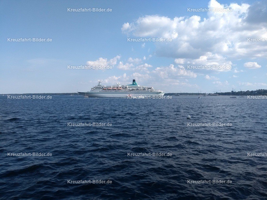 MS Albatros vor Eckernförde II | MS Albatros ankert vor Eckernförde