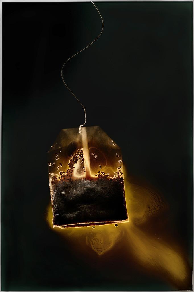 LS-Tee | Leuchtender Teebeutel mit goldener Aura