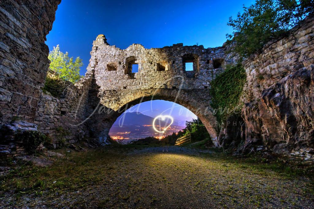 Thaurer Ruine | Thaurer Ruine mit Herz-Lightpainting