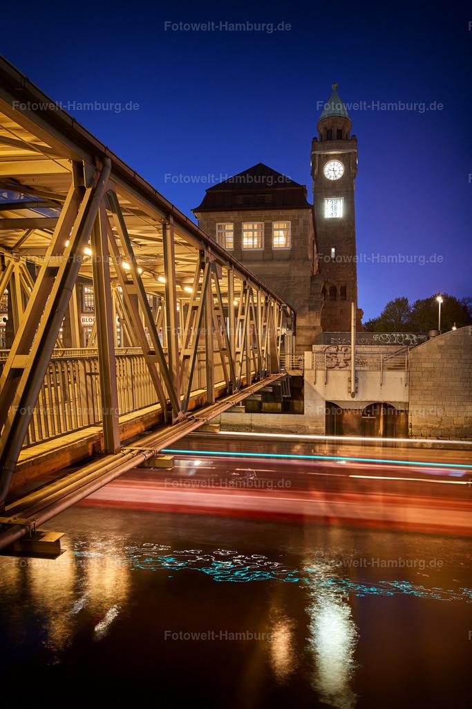 10190429 - Landungsbrücken bei Nacht