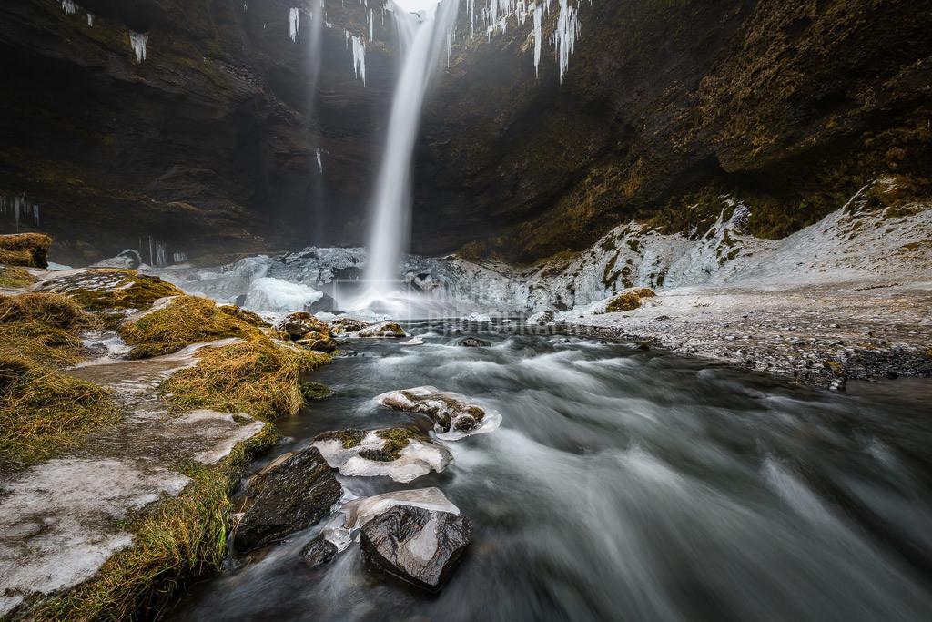 Island - Kvernufoss | Der Wasserfall Kvernufoss mit Eis.