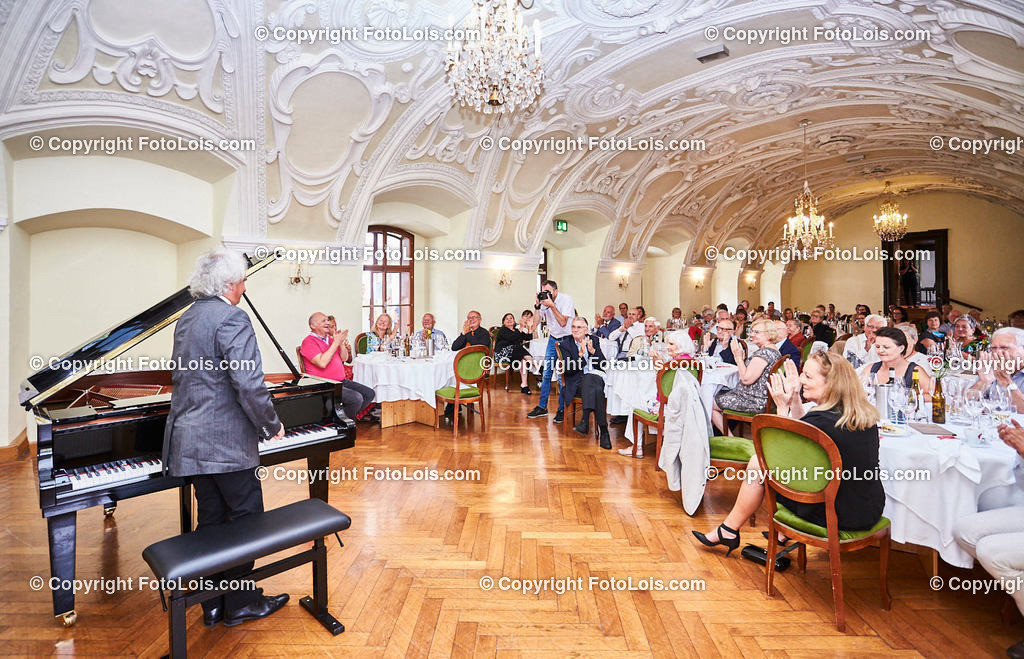 L1_2953_XXXVI-Chopin-Festival_Dinnerkonzert_HENRY Yves | (C) FotoLois.com, Alois Spandl, 36. Chopin-Festival in der Kartause Gaming, Auftritt Yves Henry, Frederic Chopin, Valse As-Dur op. 34/1, Polonaise-Fantasie As-Dur op. 61, Valse Des-Dur op. 64/1 'Minutenwalzer', Sa 15. August 2020.