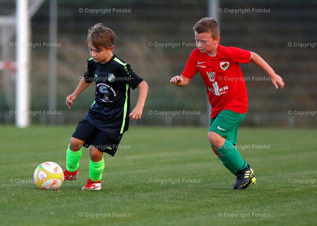 A_LUI27092021_40 | SPORT,FUSSBALL, FC WELS_SC HOERSCHING U 9 27.09.2021 IM BILD: SCHWARZ (HOERSCHING) UND ROT (FC WELS )FOTO:FOTOLUI