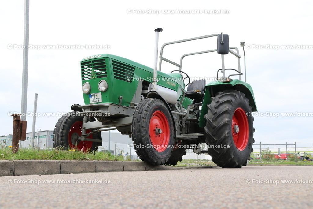 Deutz D 75 06 Traktor, Schlepper (Baureihe D-06), 1968-1970 | Deutz D 75 06 Traktor, Schlepper, Grün, Bauzeit: 1968-70, Baureihe D-06, Motor F6L 912 Sechszylinder-Reihen-Viertakt-Saugmotor mit Direkteinspritzung (Diesel), luftgekühlt, Hubraum 5652 cm³, Leistung 75 PS, Vmax. 30 km/h, Hersteller: Klöckner-Humboldt-Deutz AG (KHD) Köln, Deutschland, BRD