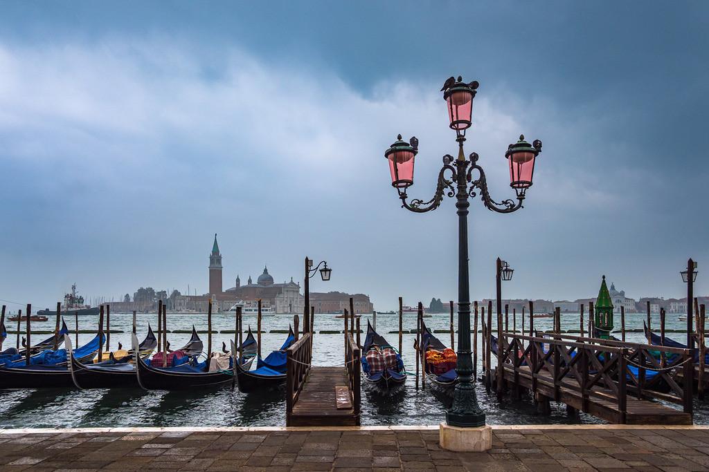 Blick auf die Insel San Giorgio Maggiore in Venedig, Italien | Blick auf die Insel San Giorgio Maggiore in Venedig, Italien.