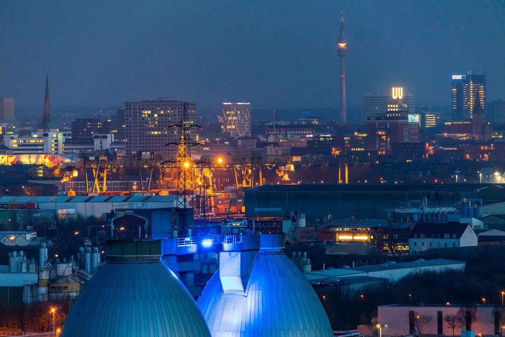 JT-180313-043 | Stadtpanorama von Dortmund, Innenstadt, Fernsehturm Florian, Dortmunder-U, Faultürme der Emscher Kläranlage Dortmund Deusen,