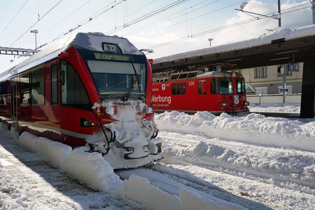 RhB ABe 4/16 3101 & Ge 4/4 II 630   Beide Züge stehen im Bahnhof Landquart abfahrbereit. Der Allegra in Richtung Chur und der Regionalzug in Richtung Klosters.