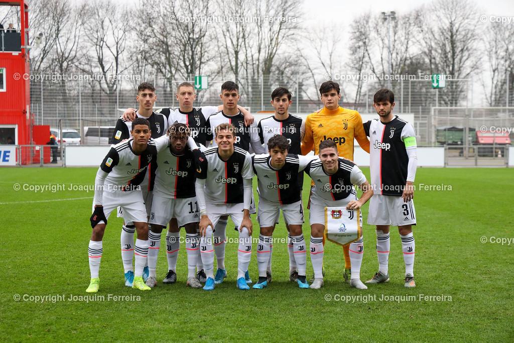 191211_levvsjuvu19_0043 | Leverkusen, 11.12.2019 UEFA Youth League Gruppe D Bayer 04 Leverkusen U19 - Juventus Turin emspor, v.l., Team Foto Juventus Turin U19     (DFL/DFB REGULATIONS PROHIBIT ANY USE OF PHOTOGRAPHS as IMAGE SEQUENCES and/or QUASI-VIDEO)