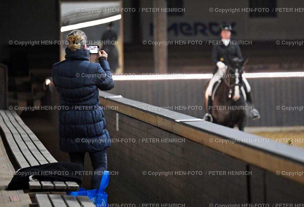 Kranichstein Winter-Tour IV Dressurprüfung Kl. S*** copyright by HEN-FOTO | Kranichstein Winter-Tour IV Dressurprüfung Kl. S*** (8) 27.02.2021 auf Video festgehalten Nadine Feser mit Balu v. PSV Gut Ebenroth copyright by HEN-FOTO - Peter Henrich