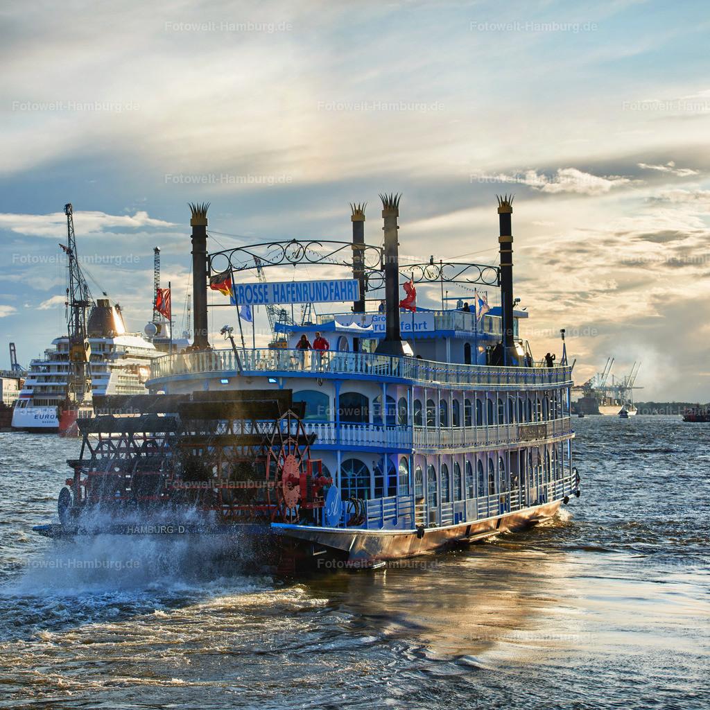 12004866 - Hafenrundfahrt   Die Louisiana Star bricht zur Hafenrundfahrt auf