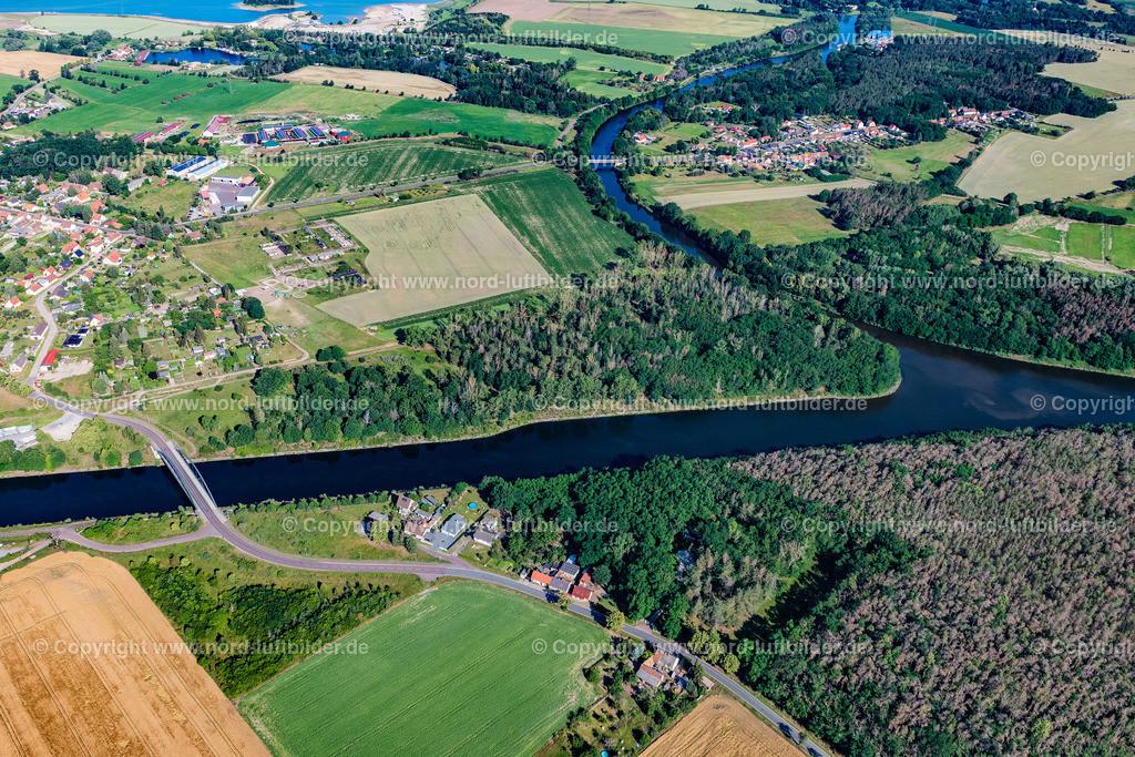 Parey_Elbe_Havel_Kanal_ELS_4666230620 | ELBE-PAREY 23.06.2020 Ortskern am Uferbereich des Elbe-Havel-Kanal - Flußverlaufes in Elbe-Parey im Bundesland Sachsen-Anhalt, Deutschland. // Village on the banks of the area Elbe-Havel-Kanal - river course in Elbe-Parey in the state Saxony-Anhalt, Germany. Foto: Martin Elsen