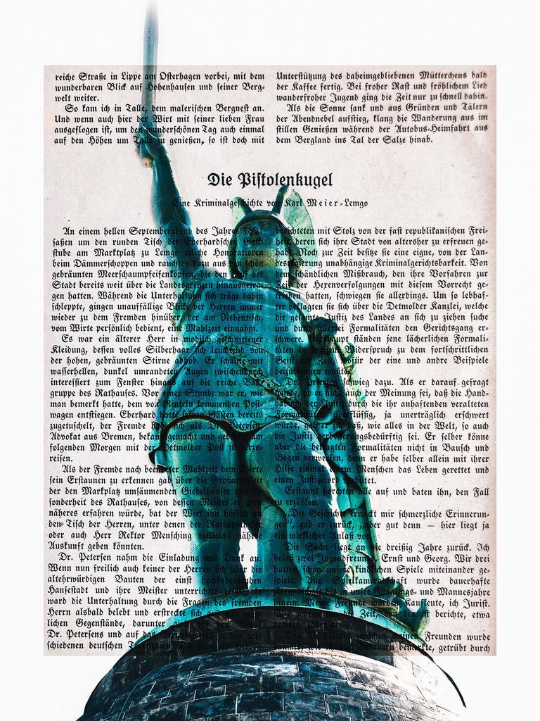 Hermann auf Fraktur | Diese Bildmontage zeigt das Hermannsdenkmal auf einer mit Fraktur bedruckten Seite des Lippischen Kalenders. Es eignet sich besonders auf Alu Dibond oder Leinwand.
