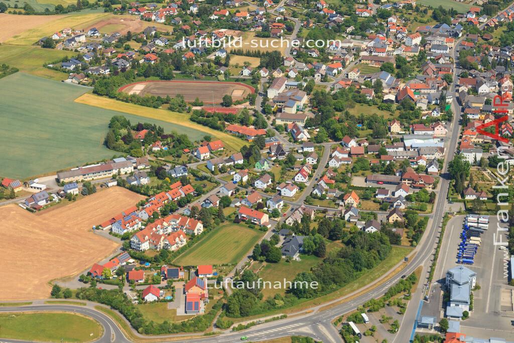 luftbild-untersiemau-2015-4775 | Luftbild von  Untersiemau - Luftaufnahme wurde 2015 von https://frankenair.de mittels Flugzeug (keine Drohne) erstellt - die Geschenkidee