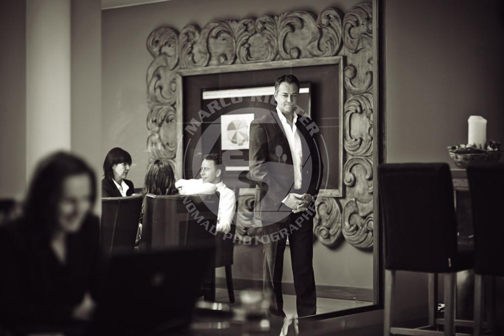 Business | Firmenportfolio, Porträts und Interior Fotos im Büro Kitzbühel/ Tirol am 13. Abril 2013  Sämtliche Bilder dieser Serie enstanden im Auftrag der Private Residences Kitzbühel Immobilien GmbH. Die Fotos stehen autorisierten Personen zur Verfügung. Bedingung ist die Nennung des Copyrights: Foto Marco Richter oder www.mallorco.com