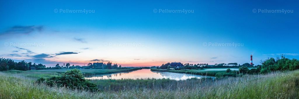Sonnenuntergang beim Pellwormer Leuchtturm