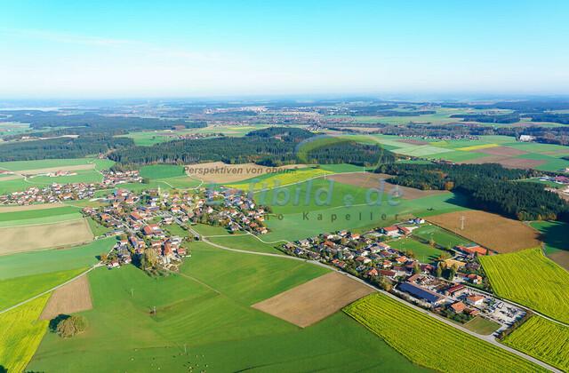 luftbild-nussdorf-chiemgau-bruno-kapeller-82 | Luftaufnahme von Nußdorf im Chiemgau, Herbst 2019. Das Dorf befindet sich ca.5 km vom Chiemsee entfernt, Landkreis Traunstein.