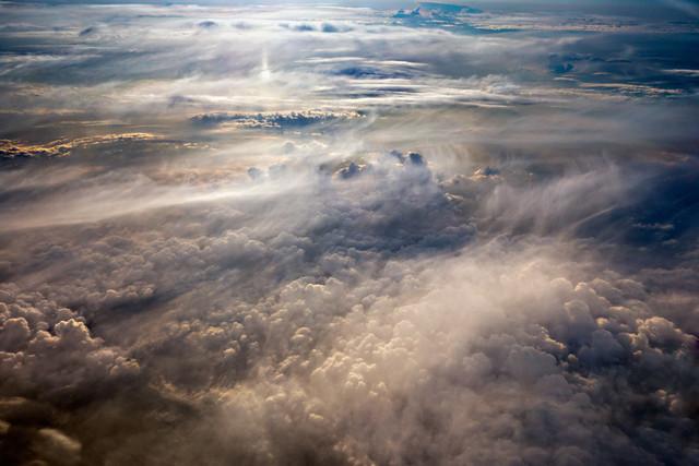 Über den Wolken [2] | Irgendwo über den Alpen auf einem Flug von Berlin nach Bergamo