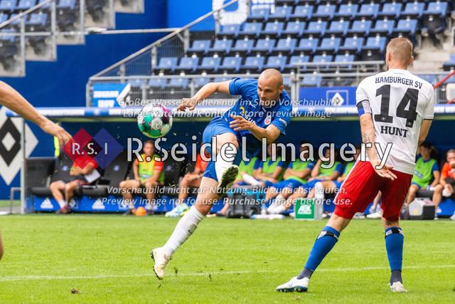 Fußball, Herren, Testspiel, Hamburger SV - FC Hansa Rostock, Volksparkstadion, 09.08.2020 | Korbinian Vollmann (#10 Hansa Rostock)