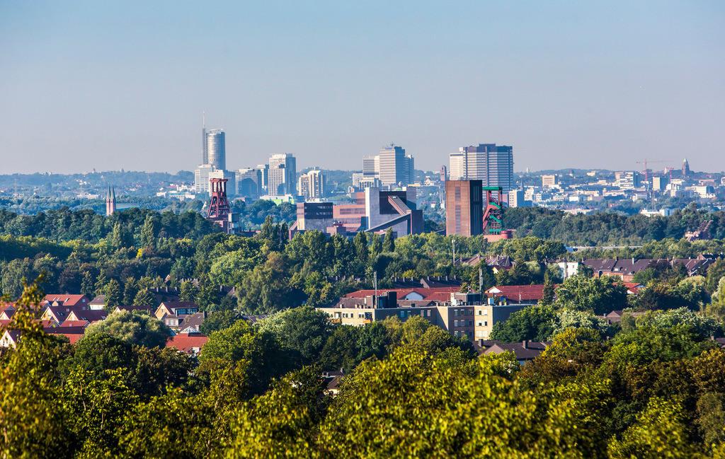 JT-160817-069   Die Skyline von Essen,