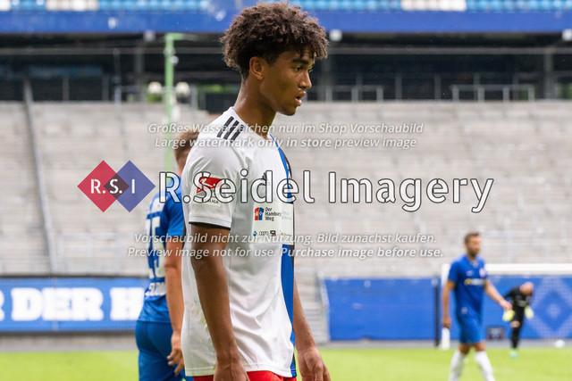 Fußball, Herren, Testspiel, Hamburger SV - FC Hansa Rostock, Volksparkstadion, 09.08.2020 | Bryan Hein (#39 HSV)