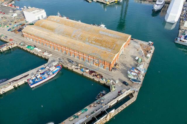 Hafen Barcelona Docks, Hallen und Boote   ESP, Spanien, Barcelona, 18.12.2018, Hafen Barcelona Docks, Hallen und Boote [2018 Jahr Christoph Hermann]