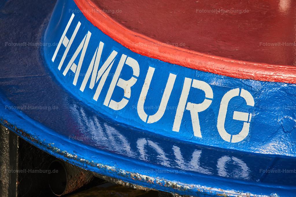 10191006 - Barkasse Hamburg II | Hamburg Schriftzug auf einer Barkasse an den Landungsbrücken