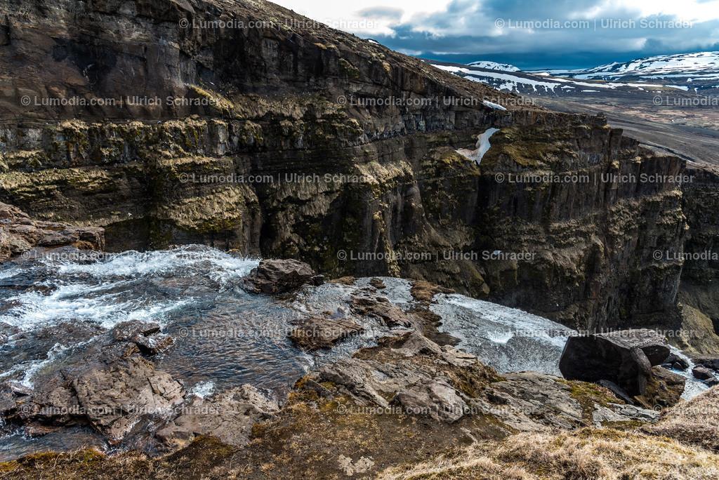 10354-10037 - Glymur Wasserfall _ Island