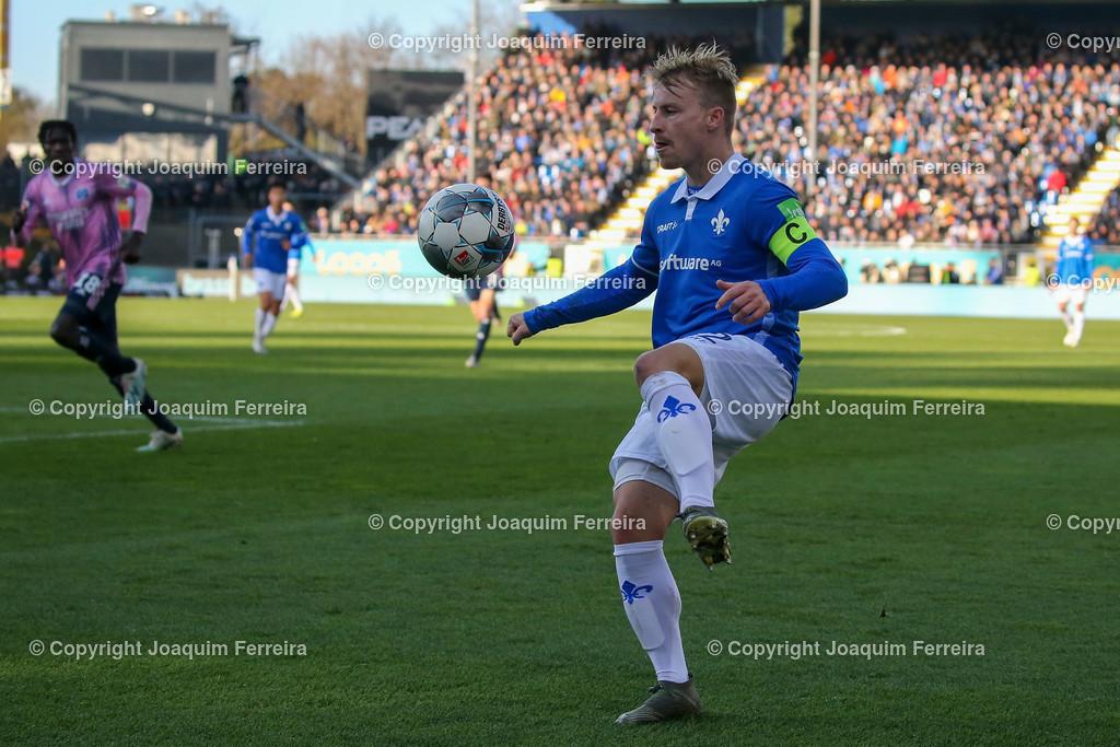 191221svdvshsv_0653 | 21.12.2019 Fussball 2.Bundesliga, SV Darmstadt 98-Hamburger SV emspor, despor  v.l.,  Fabian Holland (SV Darmstadt 98)    (DFL/DFB REGULATIONS PROHIBIT ANY USE OF PHOTOGRAPHS as IMAGE SEQUENCES and/or QUASI-VIDEO)