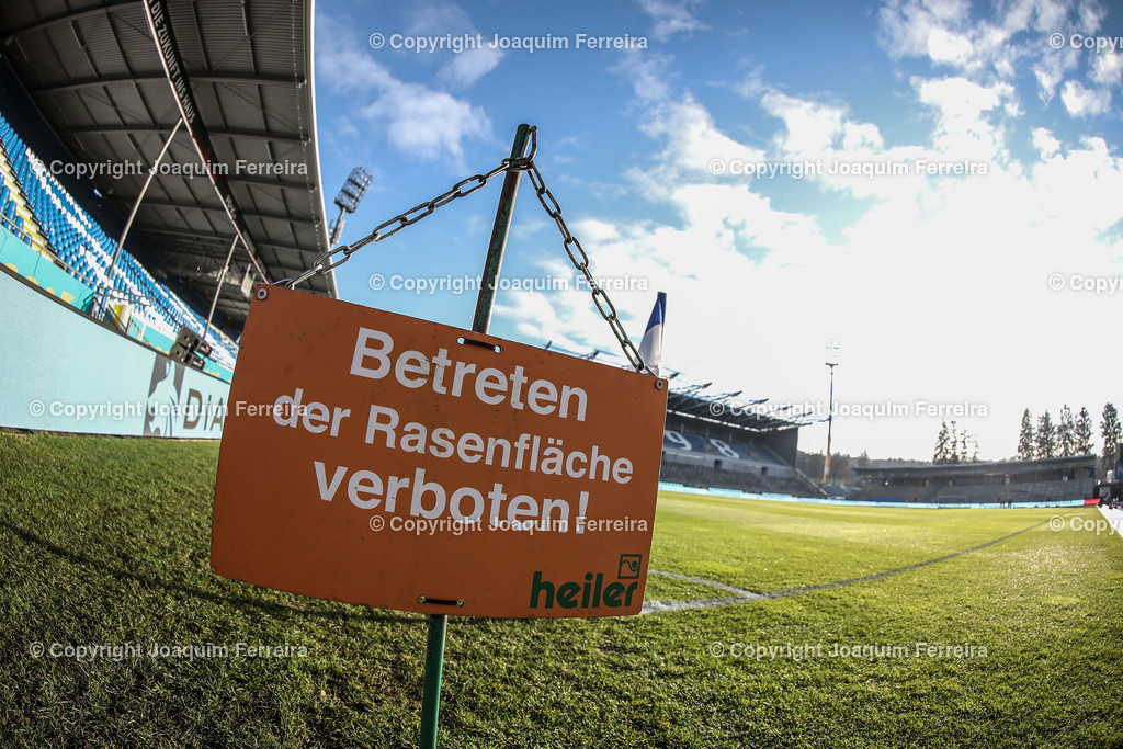 191221svdvshsv_0002 | 21.12.2019 Fussball 2.Bundesliga, SV Darmstadt 98-Hamburger SV emspor, despor  v.l.,  Innenansicht, Symbolbild Betreten der Rasenfläche Verboten, Gegegtribuene    (DFL/DFB REGULATIONS PROHIBIT ANY USE OF PHOTOGRAPHS as IMAGE SEQUENCES and/or QUASI-VIDEO)