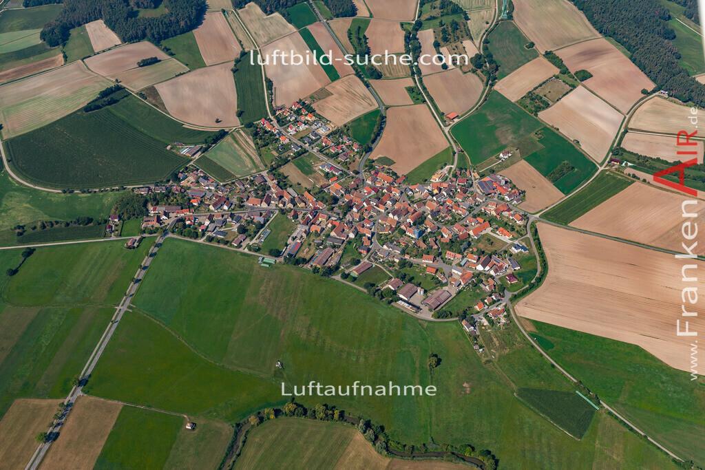 oberhoechstaedt-19-578   aktuelles Luftbild von Oberhoechstaedt   - Luftaufnahme wurde 2019 von https://frankenair.de mittels Flugzeug (keine Drohne) erstellt.