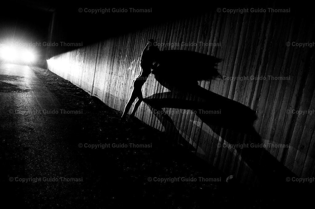 Schwarzweiß Galerie | Die hohe Kunst der Aktfotografie. Hier findet Ihr Erotikposter und Aktposter aus meinem langjährigen schaffen. Besonders die Schwarzweiß fotografie finde ich besonders schön.