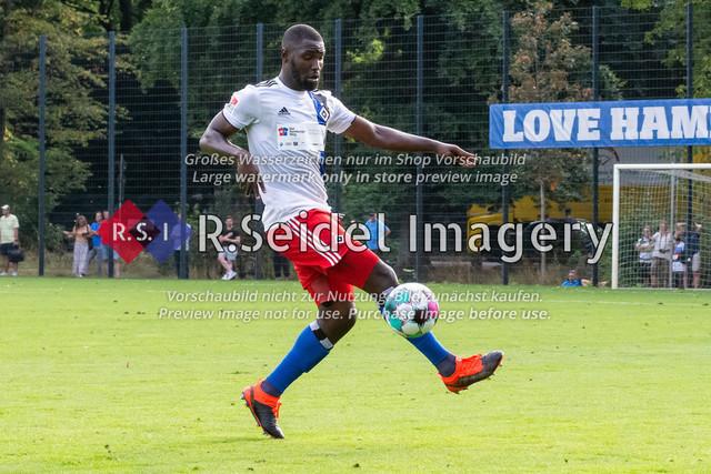 Fußball, Herren, Testspiel, Hamburger SV - FC Midtjylland, HSV-Trainingsplatz am Volksparkstadion, 20.08.2020 | Stephan Ambrosius (#35, HSV)
