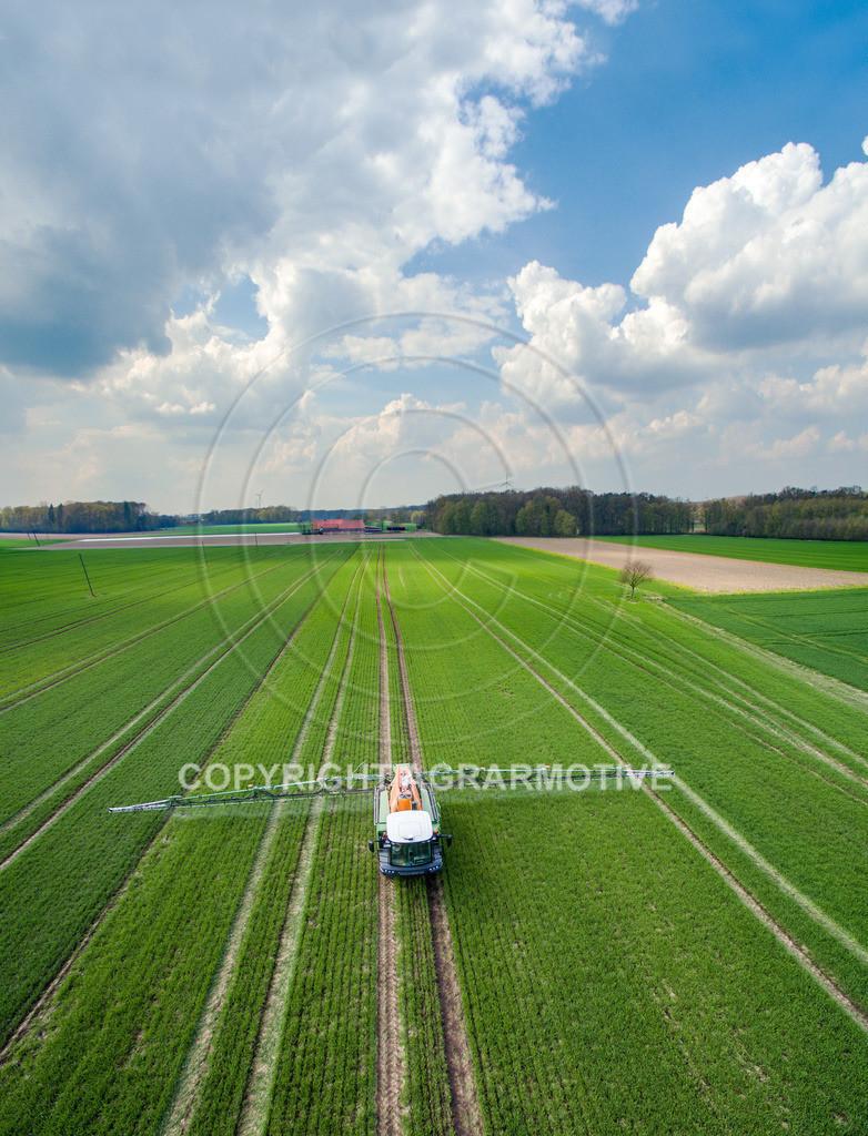 20160414-DJI_0070-ret | Pflanzenschutz im Weizen