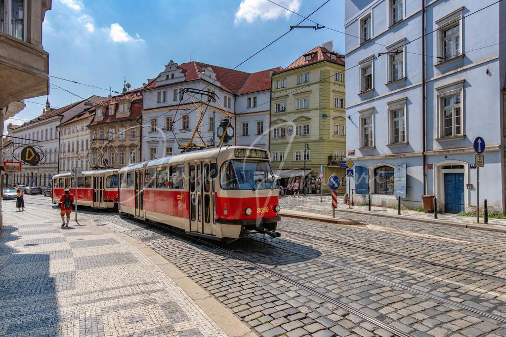 Prag | Alter Tatra T3 Triebwagen in den alten Prager Straßen