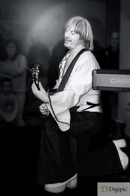 Abbariginal Gitarrist 1 -Vorschaubild