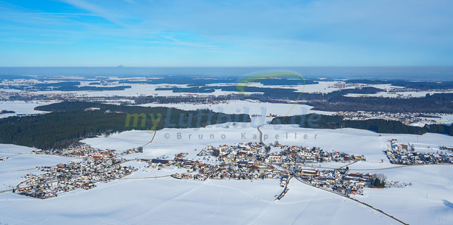 luftbild-nussdorf-chiemgau-bruno-kapeller-31 | Luftaufnahme von Nußdorf im Chiemgau, Winter 2019. Das Dorf befindet sich ca.5 km vom Chiemsee entfernt, Landkreis Traunstein.